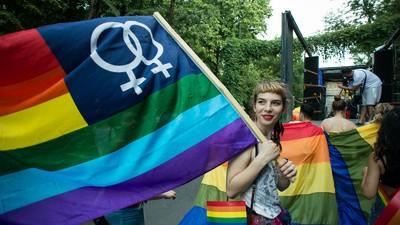Parada gay din București a fost foarte cuminte ca să nu supere homofobii