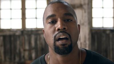 """Dlaczego nowy klip Kanye Westa """"Famous"""" to smutne widowisko, które powinno nas wkurzać"""