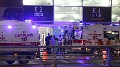 Cosa sappiamo finora delle esplosioni all'aeroporto di Istanbul