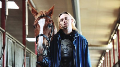 Tommy Cash, o rapper estónio que adora cavalos e francos suíços