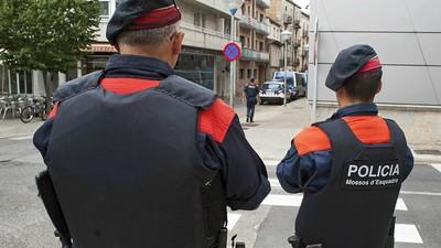 ¿Qué hay detrás de la intervención de la policía catalana para identificar periodistas?