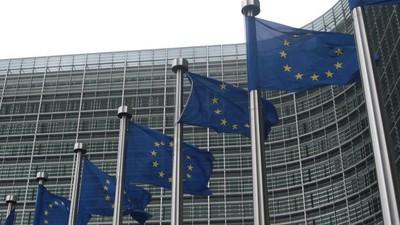 Οι «Από Μέσα» των Βρυξελλών Μιλούν για το Σεξ, το Χρήμα και τους Διαξιφισμούς στην Έδρα της Ε.Ε.
