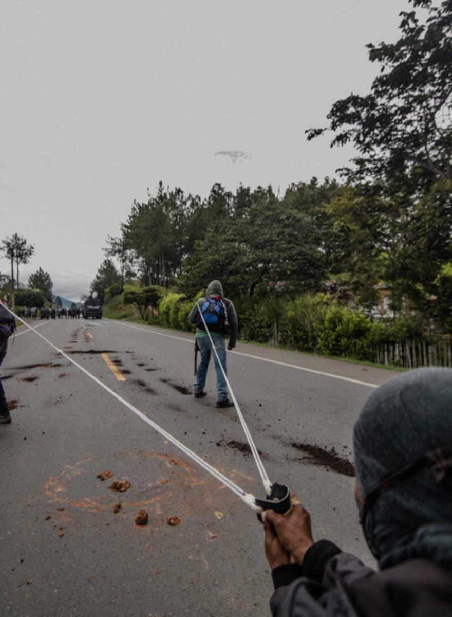 Ein NGO-Vertreter erzählt, was Schweizer Firmen mit drei toten Demonstranten in Kolumbien zu tun haben
