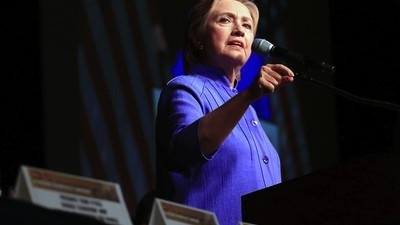 FBI Director Says Clinton Shouldn't Face Charges Over Email Scandal