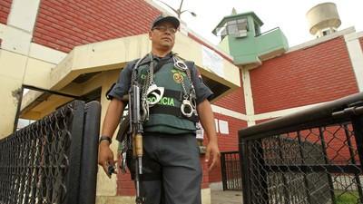 El preso español en Perú que debe pagar a reos y funcionarios para preservar su vida