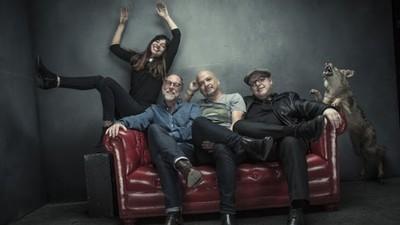 Pixies anunció un nuevo disco y su nuevo sencillo suena muy Pixies