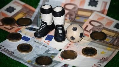 Gokcoaches op Twitter verdienen bakken met geld als jij fout gokt op wedstrijden