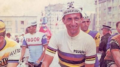 """""""Lo único que hizo mal fue morir"""": la carrera que cambió el ciclismo para siempre"""