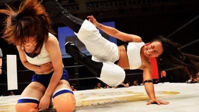 Wrestlingul japonez feminin e înfricoșător până și pentru wrestlerii de sex masculin