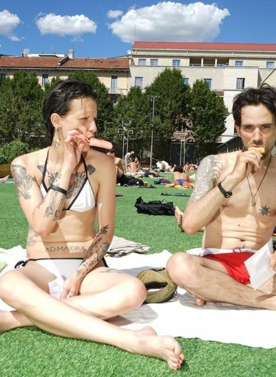 """Siamo andati a vedere la """"piscina dei radical chic"""" di Milano"""