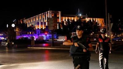 Militares en Turquía afirman que orquestaron un golpe de Estado