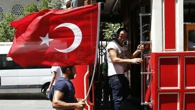Así fue el intento de golpe en Estambul y así se vivió el día después