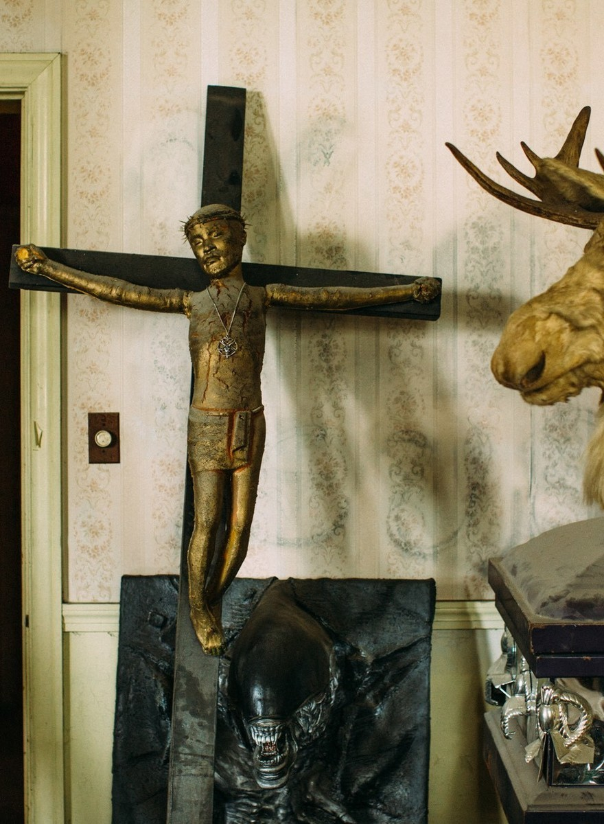 Inside the RNC's Satanic Airbnb