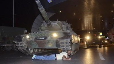 In che modo cambia il potere di Erdogan dopo il golpe fallito in Turchia