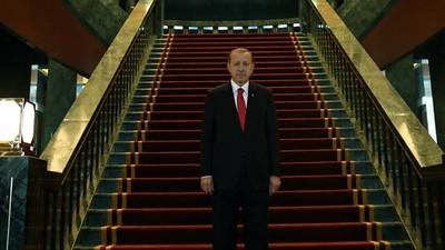 Cum a învins Erdogan, în ciuda loviturii de stat de acum două zile