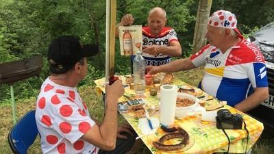 La Caravane du Tour de France avec ceux qui la mangent