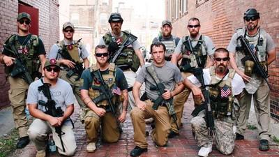 Auf dem Republikaner-Parteitag gibt es sehr viele Sturmgewehre