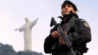 Com as Olimpíadas à porta relatório alerta para alegados crimes cometidos pela polícia do Rio
