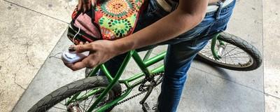 Pedalando gostoso: brasileiras criaram um banco de bicicleta que pode te fazer gozar