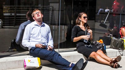 Photos of British People Trying to Deal with the Heatwave
