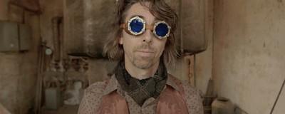 Wie sich ein Steampunk-Rocker dafür einsetzt, synthetische Drogen zu regulieren