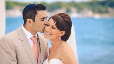 Charmant Juif recherche charmante Juive pour amitié et plus si affinités