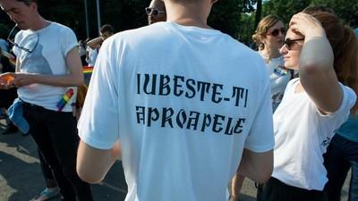 Ce trebuie să știi despre decizia care ar face ilegale căsătoriile între gay din România