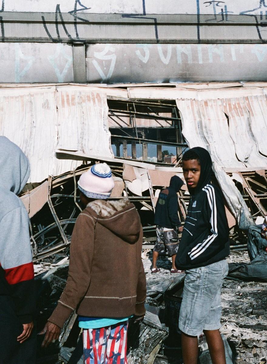 Fotos da Ocupação Douglas Rodrigues depois do incêndio