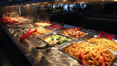 One Man Tests the Limits of Mandarin's Infamous All-You-Can-Eat Buffet