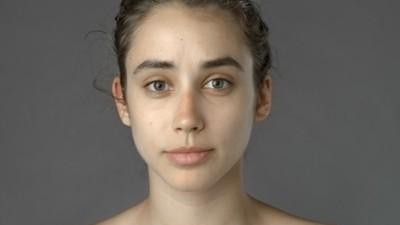 Rozmawiamy z kobietą, która poprosiła grafików z 25 krajów, by zretuszowali jej twarz