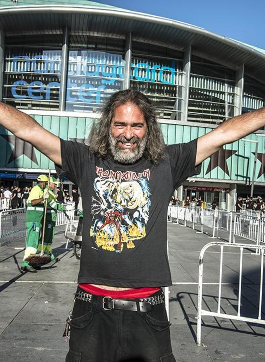 Una tarde con los fans veteranos de Iron Maiden