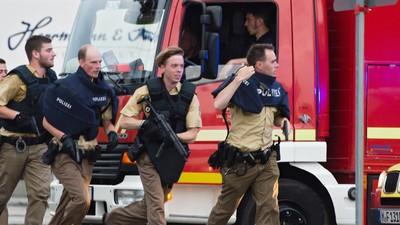 Cel puțin nouă oameni au murit într-un atac terorist la Munchen