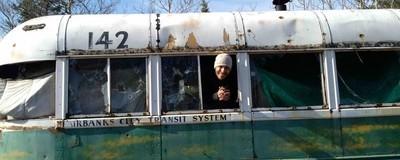 """Porque é que os turistas continuam a querer visitar o autocarro de """"Into The Wild""""?"""