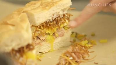 Cum să faci cel mai bun sandwich cu șuncă, ouă și cartofi