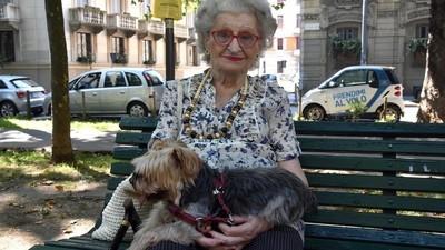 """""""È un mondo balordo"""" - Abbiamo chiesto agli anziani cosa non capiscono dei giovani italiani"""
