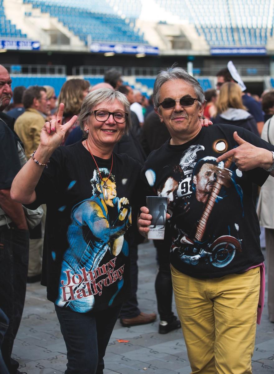 En concert avec les fans invétérés de Johnny Hallyday