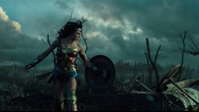The First 'Wonder Woman' Trailer Is a Glorious Festival of Male Ass-Kicking