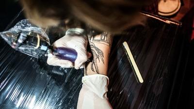 Por que tantos tatuadores estão putos com o Ato Médico?