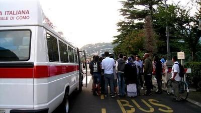 Siamo stati a Como, l'ultima frontiera della crisi dei migranti in Italia