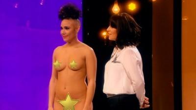 'Naked Attraction', il programma in cui cerchi l'amore giudicando i corpi nudi dei concorrenti