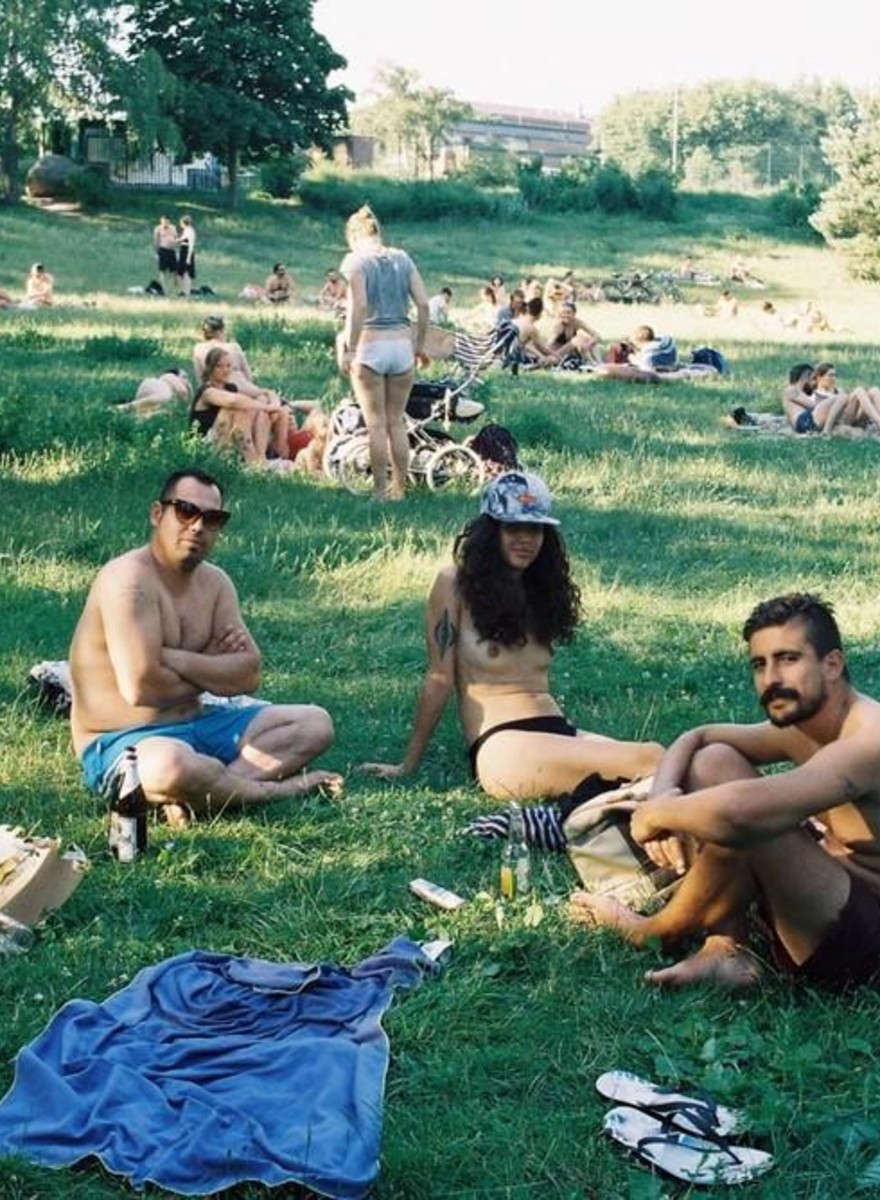 Beautiful Shots of Berliners Sunbathing Nude on Their Lunch Break