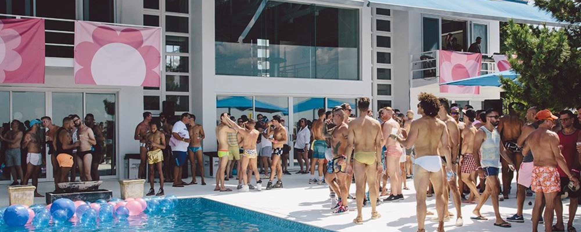 Fotografii cu magia petrecerii gay din Țara de Foc