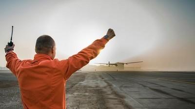 Un avión propulsado por energía solar logra dar la vuelta al mundo