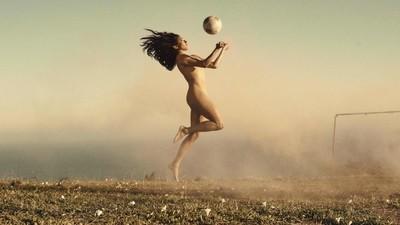 Los mejores atletas se desnudan para celebrar la imperfección del cuerpo humano