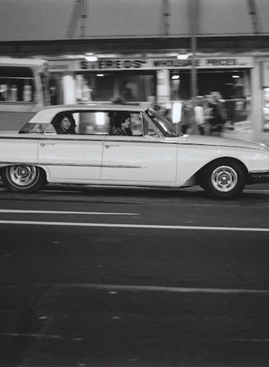 Late Night Photos of Auckland's V8 Scene in the 70s