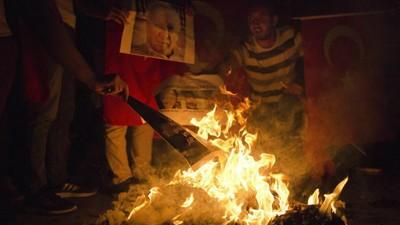 Cum e să fii dizident în Turcia de după lovitura de stat eșuată