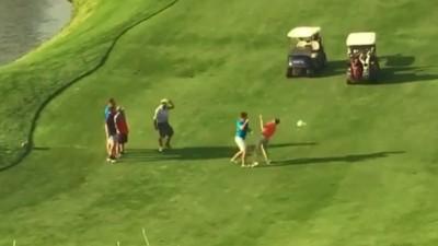 Dos golfistas se lían a hostias y luego se dan la mano caballerosamente
