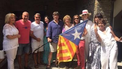 Los pequeños detalles de la fiesta privada de Rahola, Laporta y Puigdemont en Cadaqués