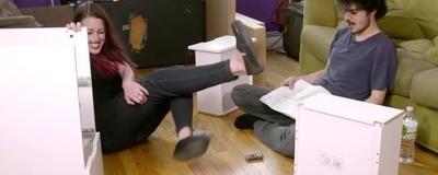 Už jste viděli pořad o stavění IKEA nábytku na drogách?