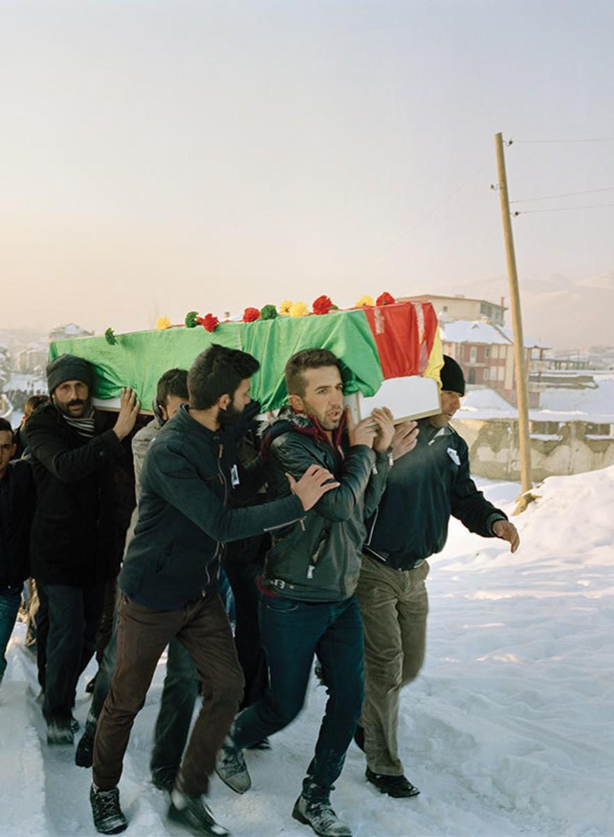 Was passiert, wenn die Türkei in kurdischen Gemeinden die Ausgangssperre verhängt
